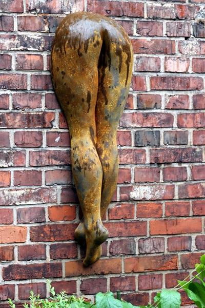 Skulptur Beine rost
