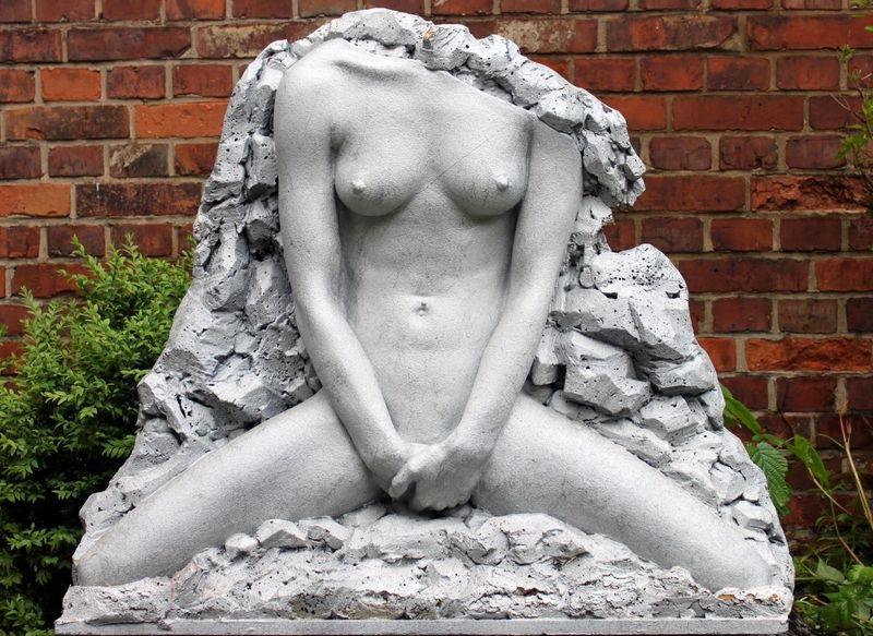 Skulptur Sabrina